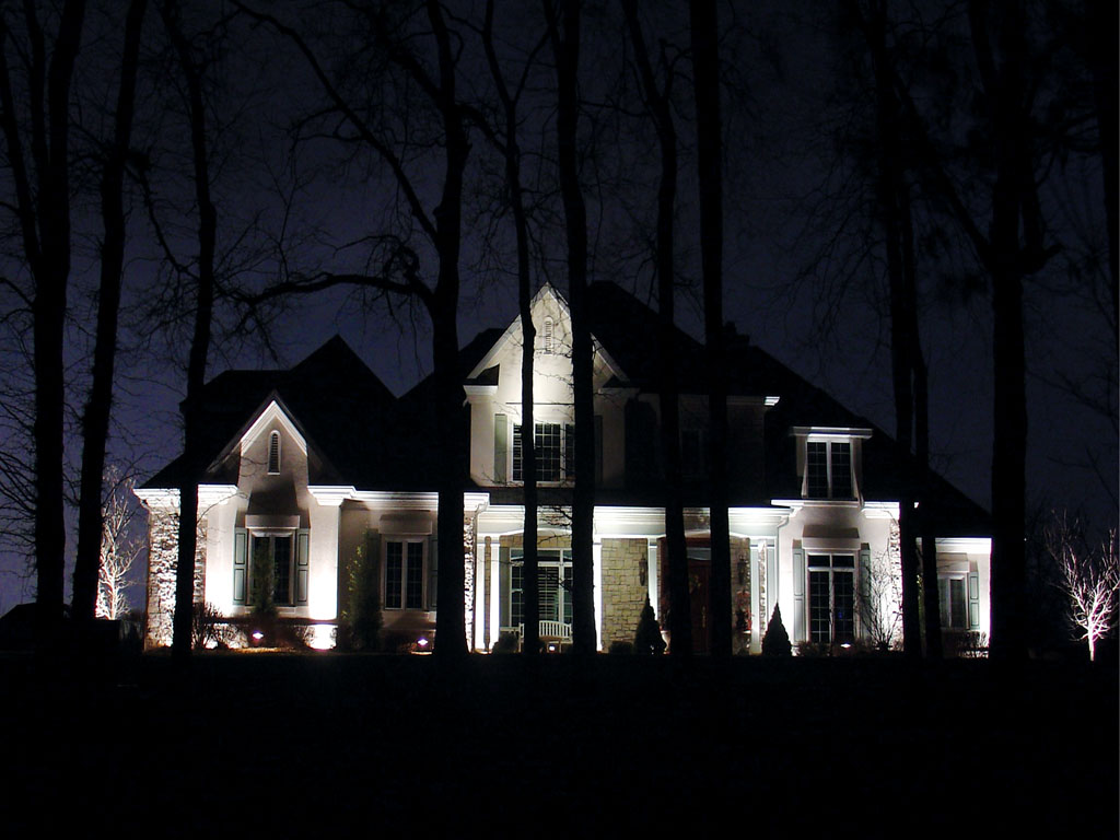 Attractive Halogen Vs LED Landscape Lighting