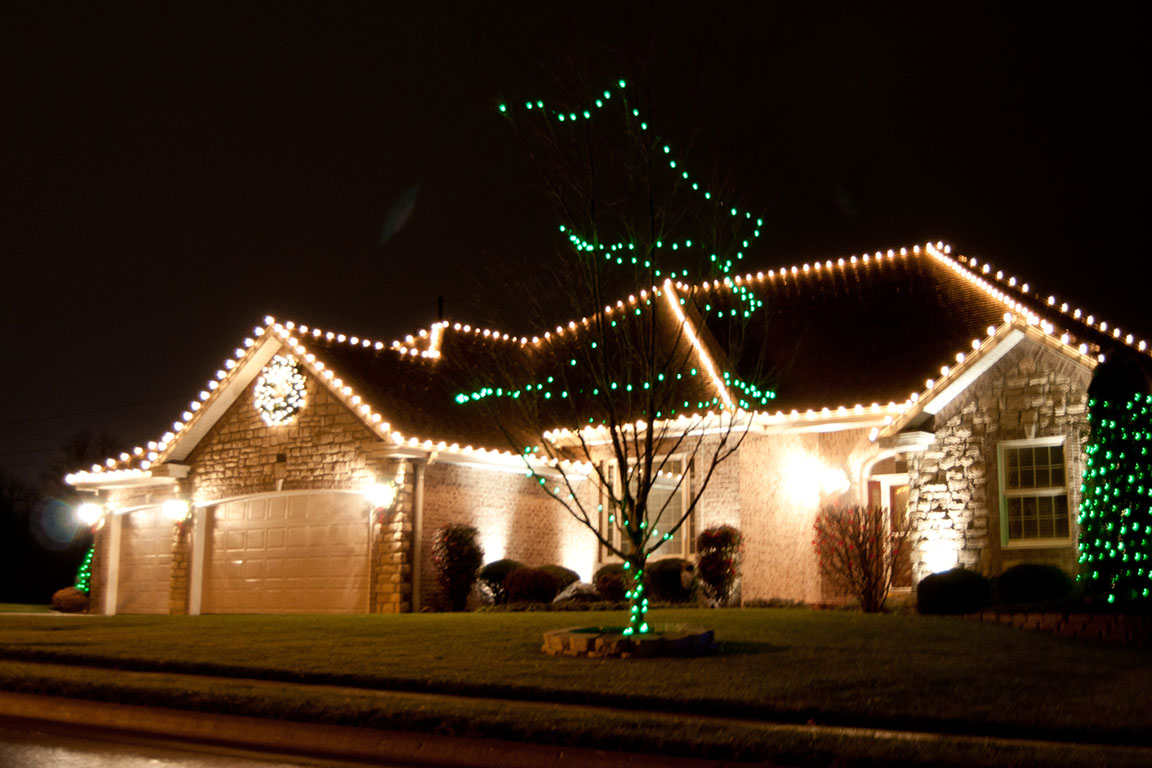 7 reasons you need creative outdoor lighting to install for Outdoor christmas lights