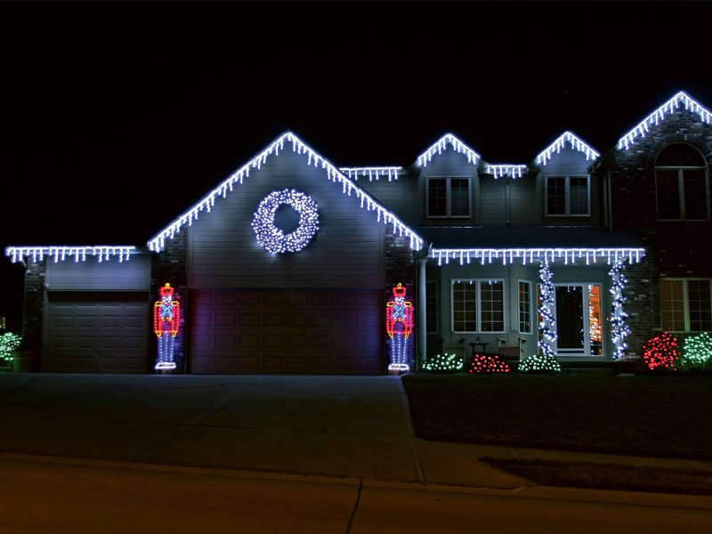 Holiday christmas lighting springfield mo creative for Exterior xmas lighting ideas